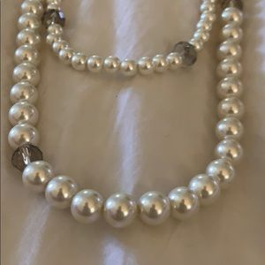 Ann Taylor Costume Pearl necklace